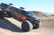 110625 909113 tuning 9 190x126 Video: Keine Fake   10 Meter Ford Excursion Monster Truck