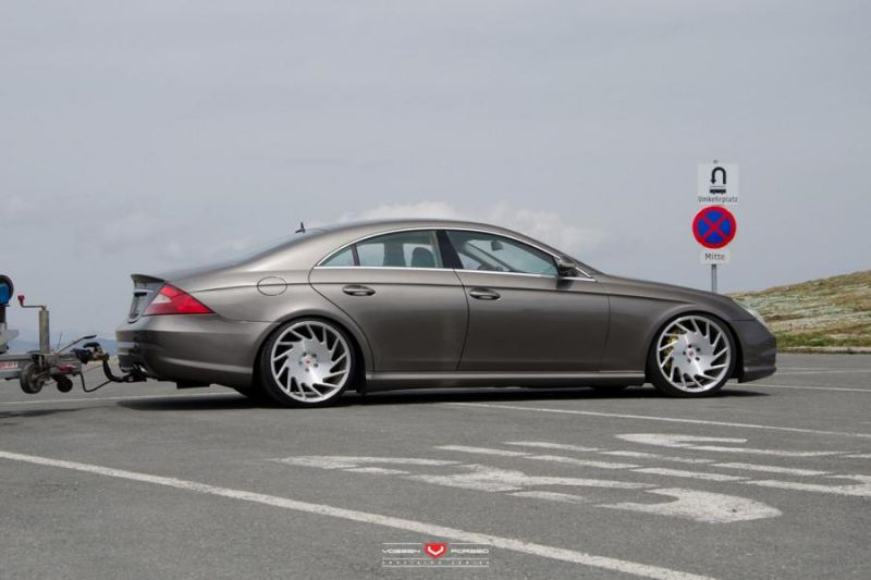 18496622894 e469a44ac2 o tuning 1 Tiefer & mit Vossen Wheels VLE 1   Mercedes CLS