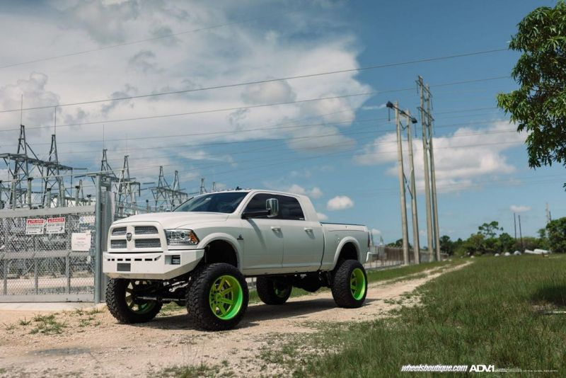 Dodge Ram 2500 On ADV08 Truck Spec HD SL By ADV.1 Wheels tuning 1 Wheels Boutique tunt den Dodge Ram 2500 mit 24 Zoll Alu´s