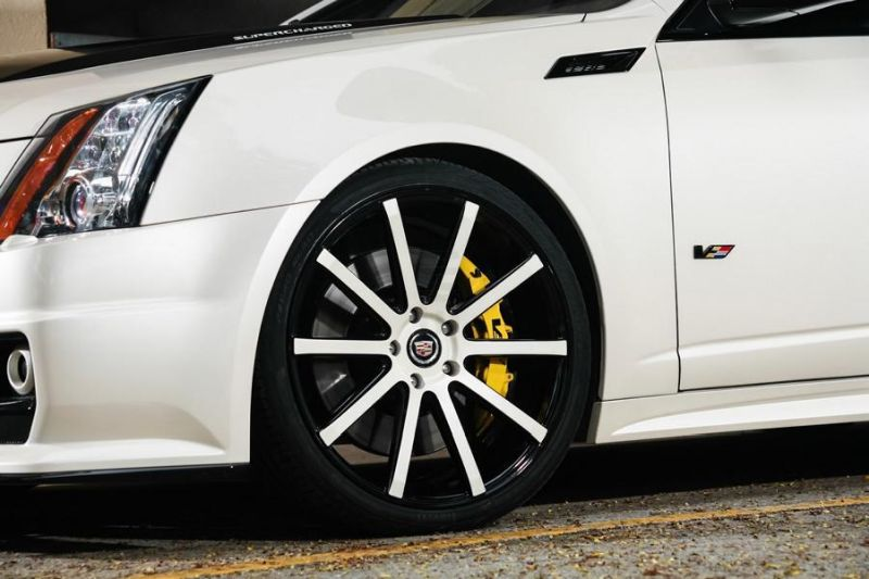 Exclusive-Motoring-Cadillac-CTS-V-By-XO-Luxury-Wheels-7