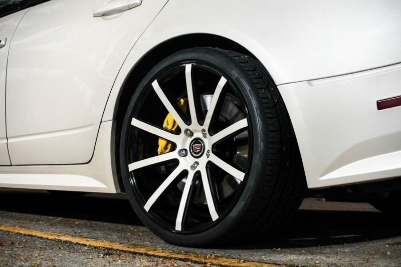 Exclusive-Motoring-Cadillac-CTS-V-By-XO-Luxury-Wheels-8