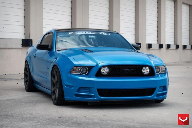 Ford-Mustang-On-CV7-By-Vossen-Wheels-tuning-2