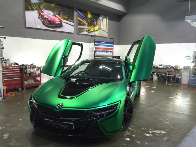 Green-Chrome-BMW-i8-tuning-1