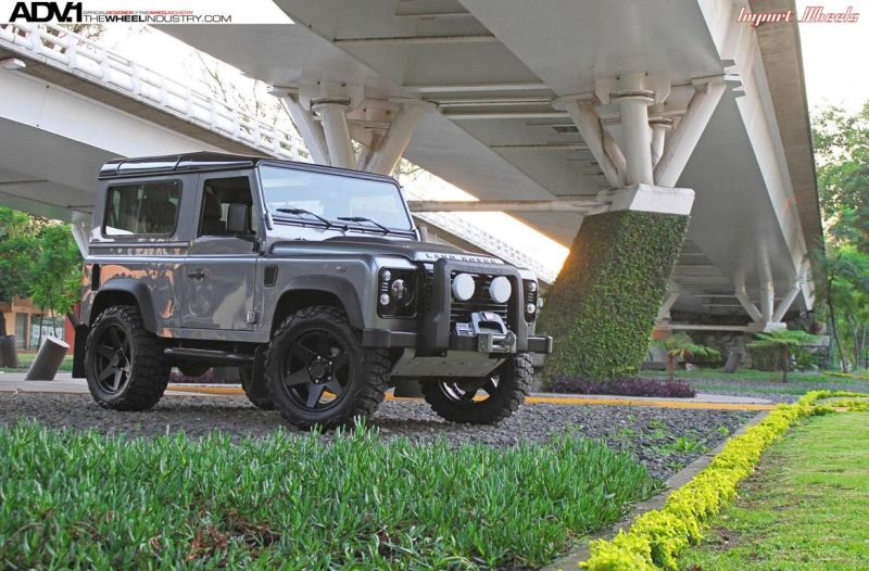 Land Rover Defender On ADV6 Truck Spec By ADV.1 Wheels 1 Radikaler Land Rover Defender auf 20 Zoll ADV6 Truck Spec Felgen