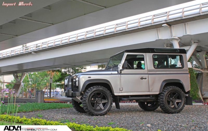 Land-Rover-Defender-On-ADV6-Truck-Spec-By-ADV.1-Wheels-4