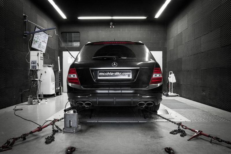 Mcchip-DKR Mercedes C63 AMG 514PS Chiptuning 3