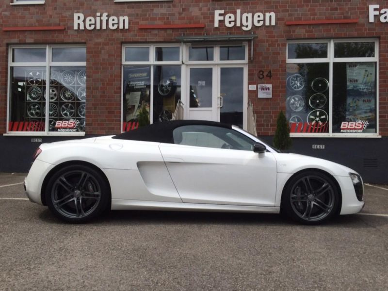 audi r8 spyder kw weiss 4 magazin. Black Bedroom Furniture Sets. Home Design Ideas