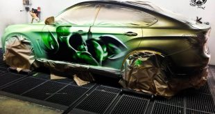bmw x6 paintjob reveals inner hulk you pour hot water 4 310x165 Video: Irre Farbwechsel Lackierung auf dem BMW X6 enthüllt den HULK und Lamborghini