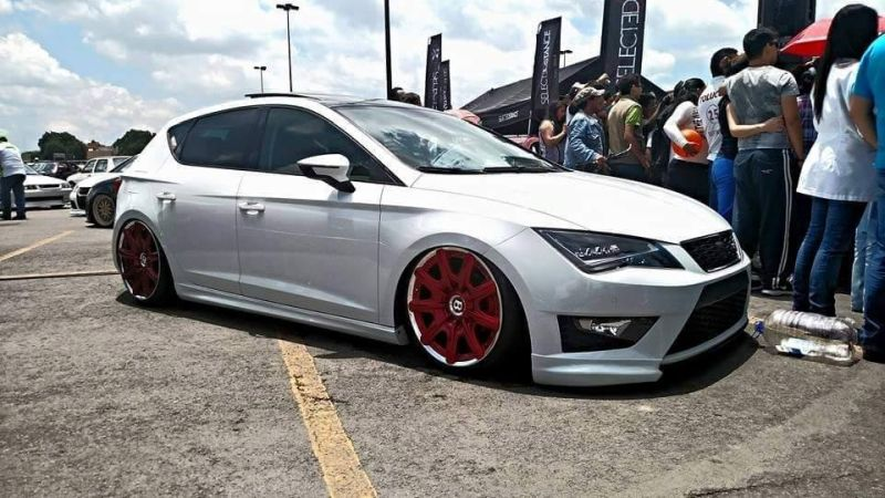 seat leon 5f lowrider with red bentley wheels 1 SEAT Leon 5F mit Bentley Felgen und Airride Fahrwerk