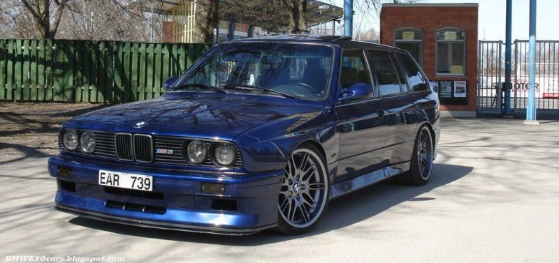 the legend is true heres a 4 door bmw 1 Traumhaft   BMW E30 M3 Limousine und Touring