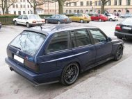 the legend is true heres a 4 door bmw 2 190x143 Traumhaft   BMW E30 M3 Limousine und Touring