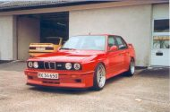 the legend is true heres a 4 door bmw 5 190x125 Traumhaft   BMW E30 M3 Limousine und Touring