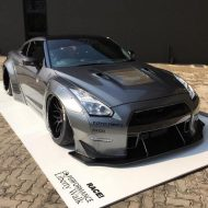 10532323 845264292176414 8087799489003079581 o 190x190 RACE! South Africa Nissan GT R mit Liberty Walk Breitbau