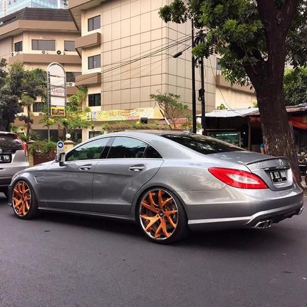 11070285 10153028120731662 2417079941592249749 o Mercedes Benz CLS 63 AMG mit Forgiato Wheels Alufelgen