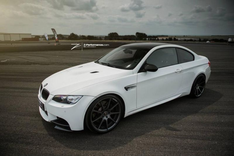 11143283 709027712535981 540270576258073450 o1 BMW E92 M3 in Weiß mit 20 Zoll Z Performance Wheels