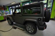 11144995 1010360698997979 8231095564770242229 o 190x126 Jeep Wrangler Rubicon in Mattschwarz by Print Tech