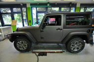 11225226 1010360288998020 2756892171123368713 o 190x126 Jeep Wrangler Rubicon in Mattschwarz by Print Tech