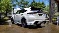 11696331 874689375932878 5950174548893501628 o 190x107 Rowen International macht den Toyota Harrier zum Lexus RX