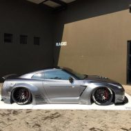 11696414 845282038841306 3561476445987644930 o 190x190 RACE! South Africa Nissan GT R mit Liberty Walk Breitbau