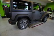 11754601 1010360725664643 7313170021841101604 o 190x126 Jeep Wrangler Rubicon in Mattschwarz by Print Tech