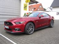 12022504 10153568041156698 5519200129028106919 o 190x143 Extrem Tief und mit HRE Wheels FF01   Ford Mustang