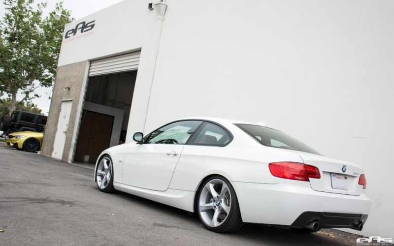 Alpine-White-BMW-E92-335i-Gets-A-Suspension-Update-4 (1)
