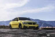 Austin Yellow BMW F82 M3 On VMR V710 Wheels 3 190x127 19 Zoll VMR V710 Wheels Alufelgen am BMW M4 F82