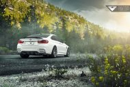 BMW F82 M4 With Vorsteiner Flow Forged V FF 102 Wheels 4 190x127 Schicker BMW M4 F82 Evo vom Tuner Vorsteiner