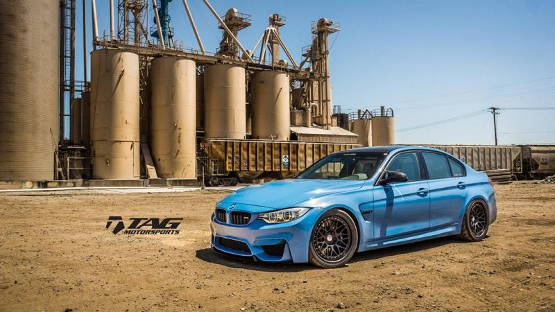BMW-M4-with-HRE-Classic-303-Wheels-in-Brushed-Dark-Clear-15