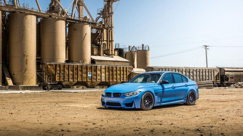 BMW-M4-with-HRE-Classic-303-Wheels-in-Brushed-Dark-Clear-17