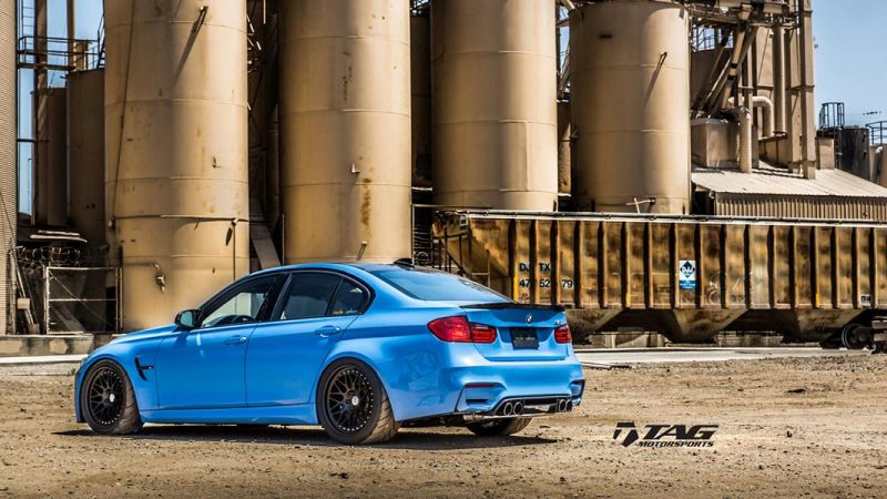 BMW-M4-with-HRE-Classic-303-Wheels-in-Brushed-Dark-Clear-20