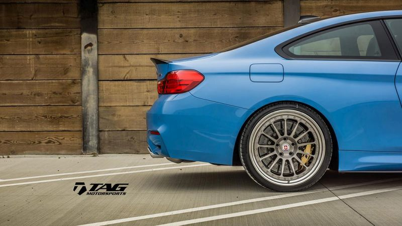 BMW-M4-with-HRE-Classic-303-Wheels-in-Brushed-Dark-Clear-26