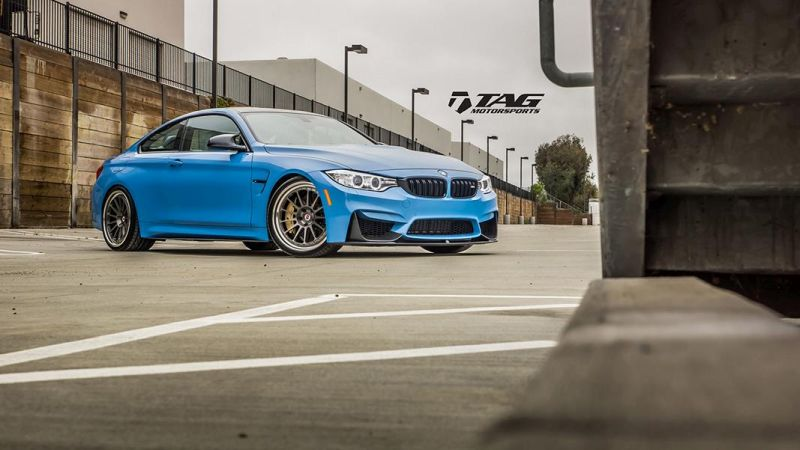 BMW-M4-with-HRE-Classic-303-Wheels-in-Brushed-Dark-Clear-7