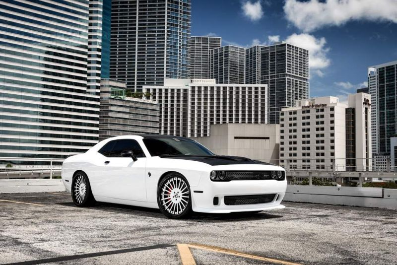 Exclusive-Motoring-Dodge-Challenger-Hellcat-On-Forgiato-wheels-04