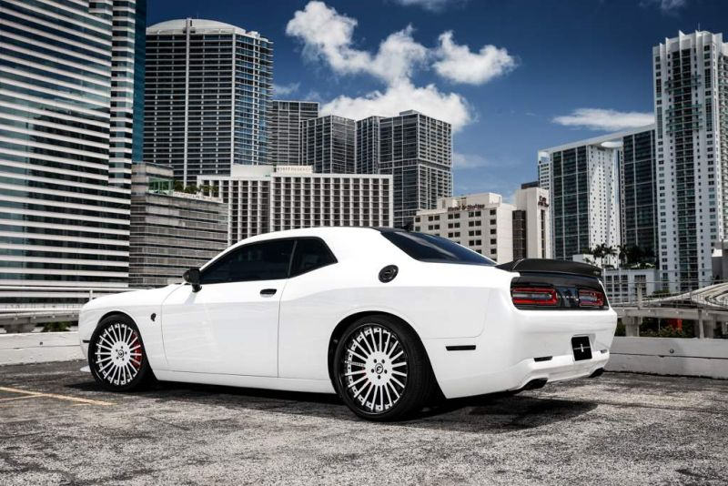 Exclusive-Motoring-Dodge-Challenger-Hellcat-On-Forgiato-wheels-07