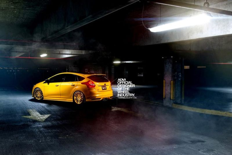ford focus st tuning adv 5 magazin. Black Bedroom Furniture Sets. Home Design Ideas