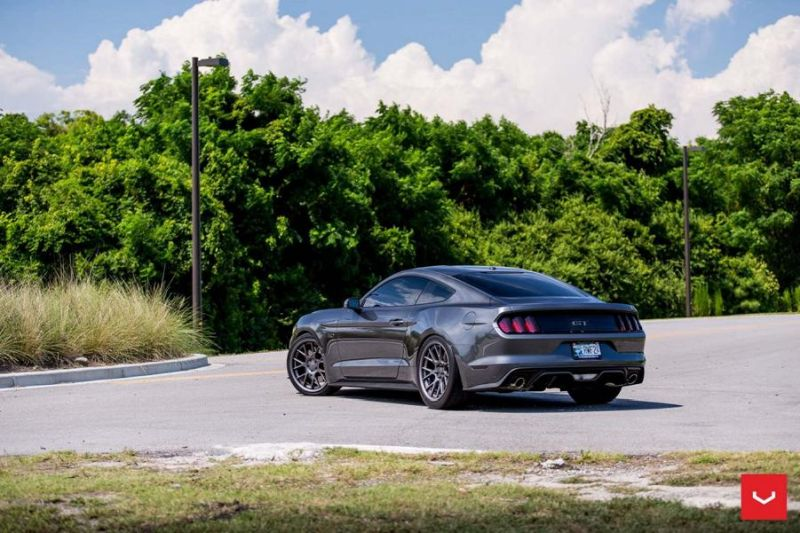Ford Mustang On Vossen CV2 By Vossen Wheels 10 Gute Wahl   Vossen Wheels CV2 am Ford Mustang