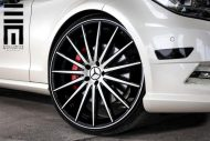 Mercedes Benz CLS On VFS2 By Vossen Wheels 9 190x127 Exclusive Motoring   Mercedes CLS mit VFS2 Vossen Wheels