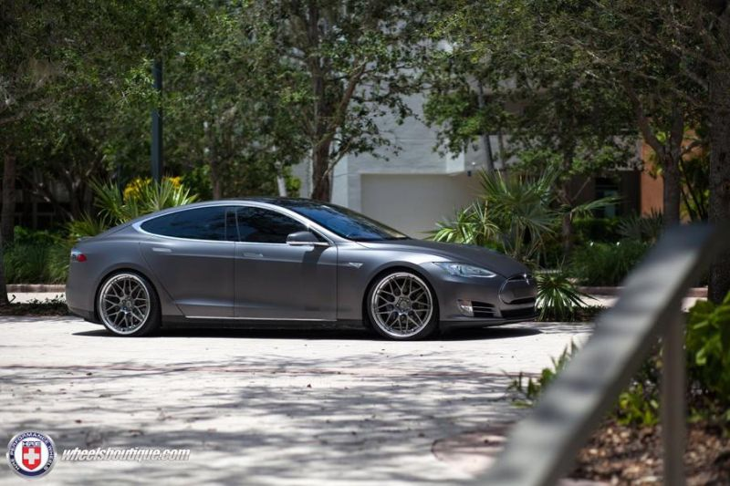 Tesla-Model-S-P85-On-HRE-RS100-By-HRE-Wheels-4