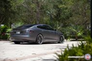 Tesla Model S P85 On HRE RS100 By HRE Wheels 5 190x127 22 Zoll HRE RS100 Alufelgen am Tesla Model S P85
