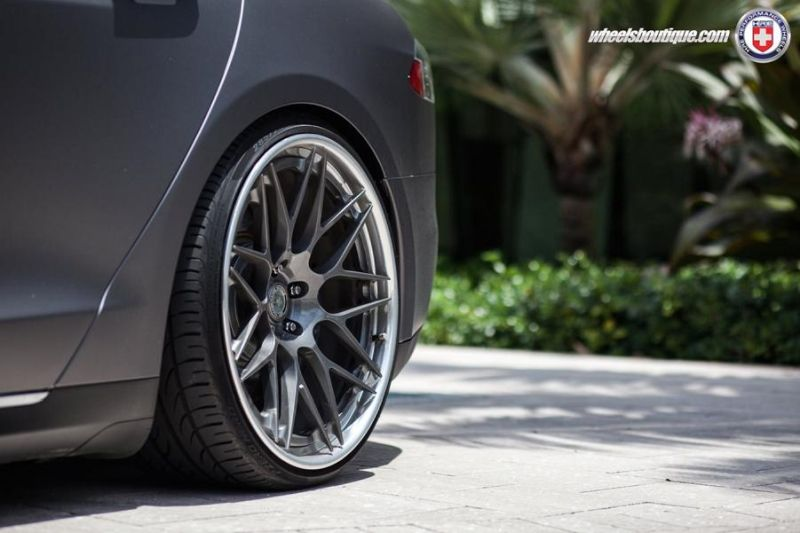 Tesla-Model-S-P85-On-HRE-RS100-By-HRE-Wheels-8