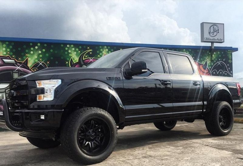 11893993 935750989799252 7822269173400991422 o Ultimate Auto tunt den Ford F150 in Schwarz
