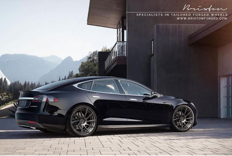 11927467 513065052176312 7932158860187996655 o Tesla Model S P85D auf Brixton Forged R10D Duo
