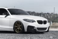 Alpine White BMW F22 2 Series Coupe On V706 Titan Bronze Wheels 2 190x127 Kompakter Sportler   BMW F22 M235i auf VMR Wheels
