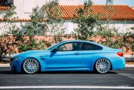 BMW F82 M4 On Vossen Wheels Photoshoot 15 190x127 Yas Marina blauer BMW M4 F82 auf VFS2 Vossen Wheels