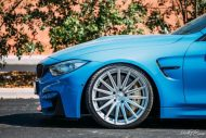 BMW F82 M4 On Vossen Wheels Photoshoot 4 190x127 Yas Marina blauer BMW M4 F82 auf VFS2 Vossen Wheels