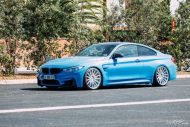 BMW F82 M4 On Vossen Wheels Photoshoot 8 190x127 Yas Marina blauer BMW M4 F82 auf VFS2 Vossen Wheels