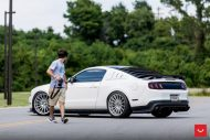 Ford Mustang On Vossen VFS 2 By Vossen Wheels 7 190x127 Vossen Wheels VFS 2 (VFS2) am Ford Mustang in Weiß