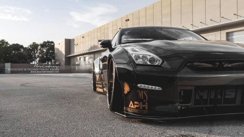 Liberty Walk GT-R Brixton Forged R25 nextomod 4