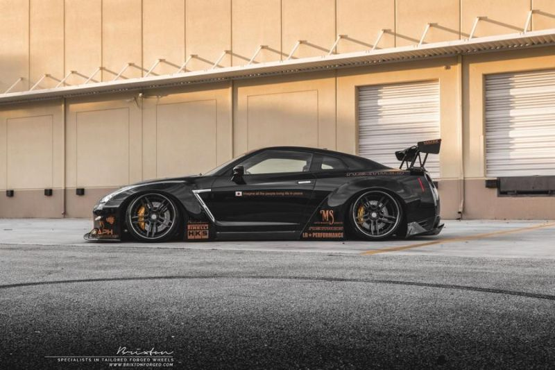 Liberty Walk GT-R Brixton Forged R25 nextomod 7